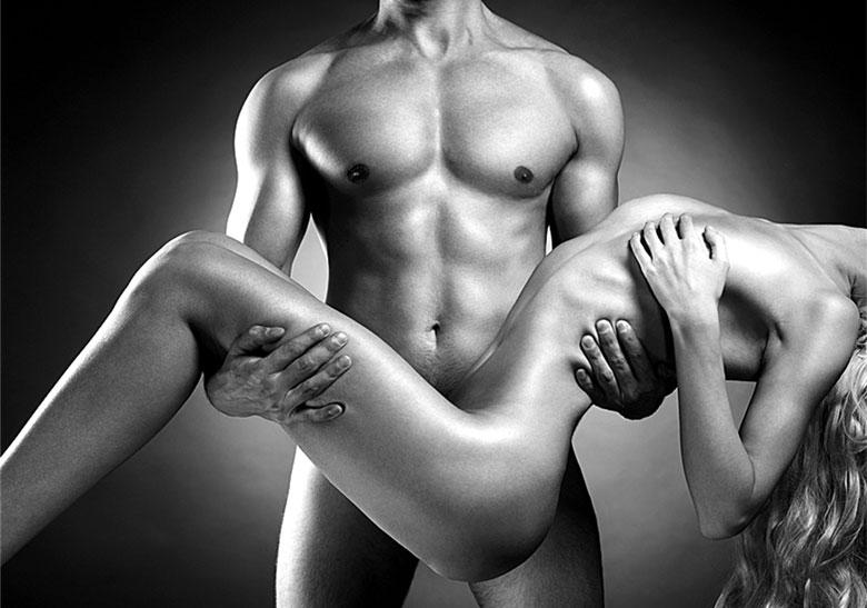 чего вдруг голые девушки и мужчин голый стоя позе, делают